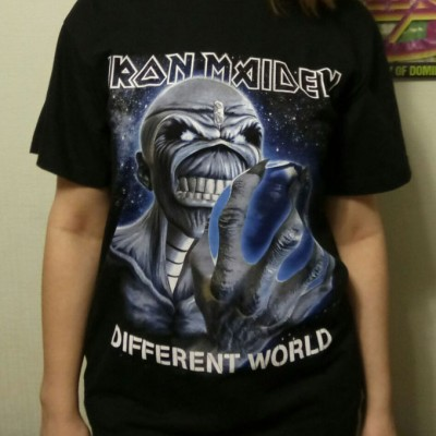 T-Shirt - Iron Maiden (Different World)